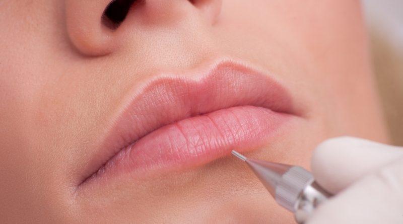 Стоит ли делать татуаж губ?